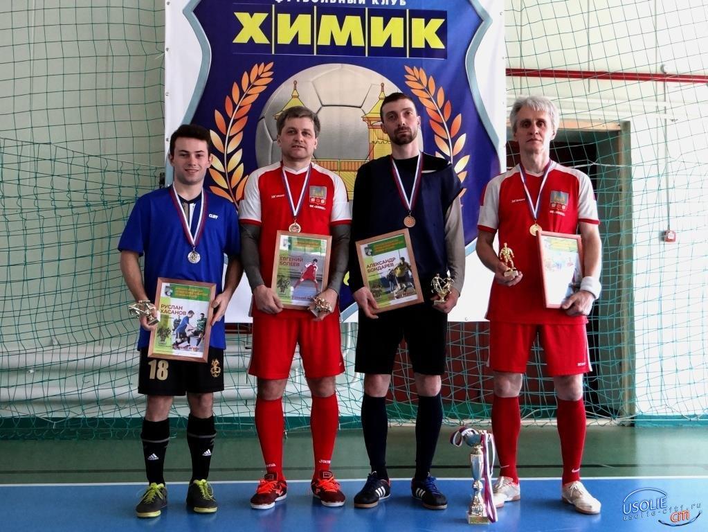 Усольский футбол: На двух «фронтах»