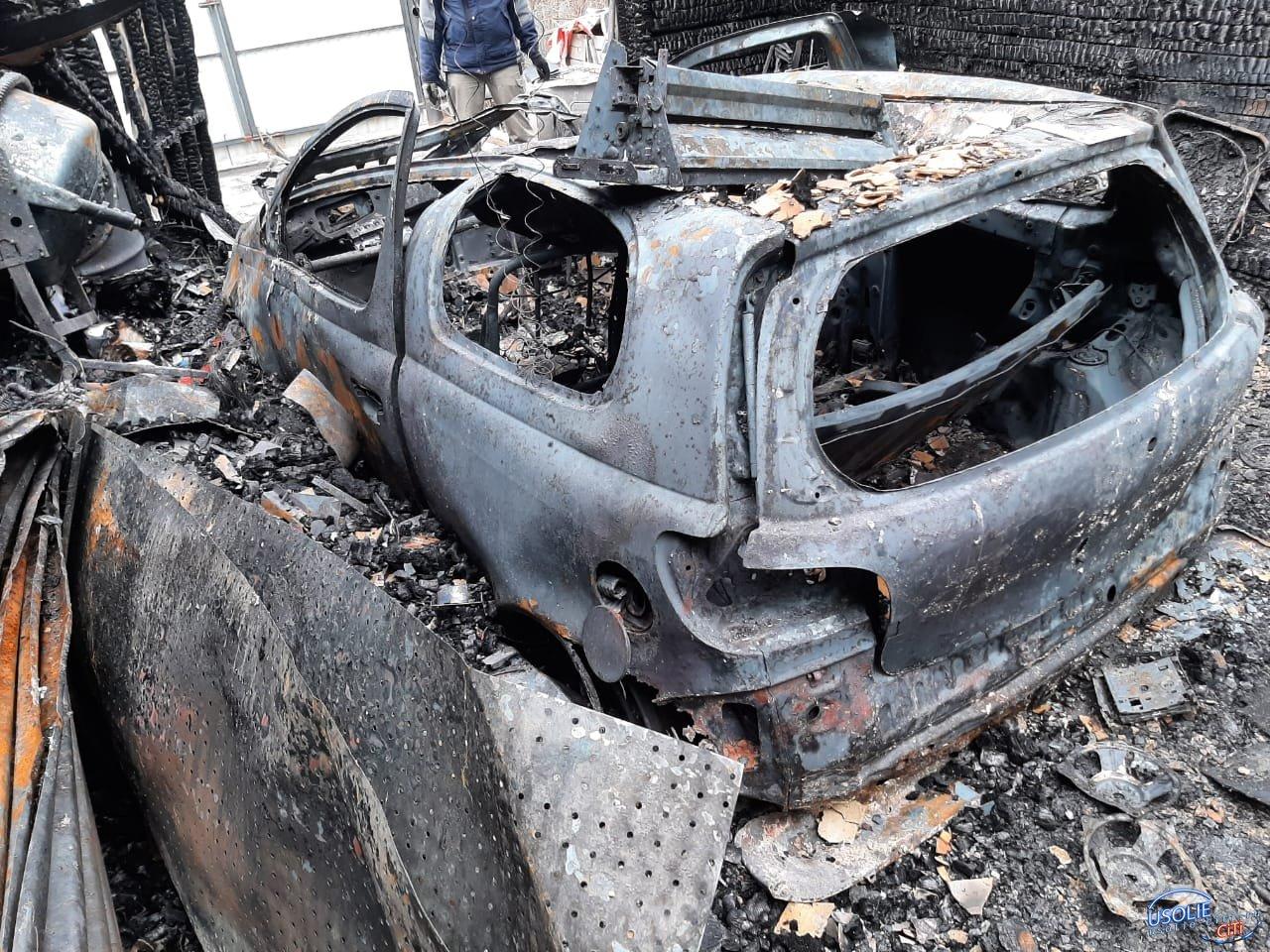 В Усольском районе горели дом и гараж