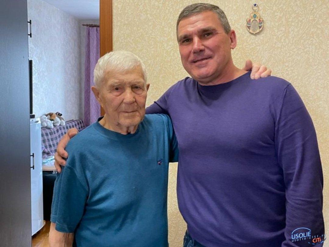 Не остановило расстояние: Депутат Сергей Мельников поздравил усольского ветерана в Иркутске