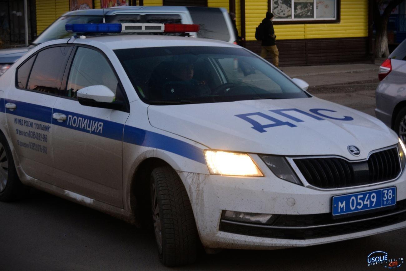 В День ГИБДД: Пьяная девушка врезалась в машину ДПС в Усолье