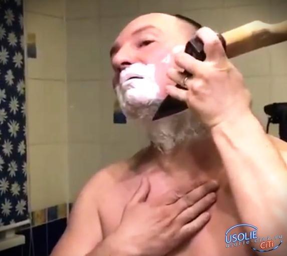 Коммунисты в Усольском районе бреются топорами