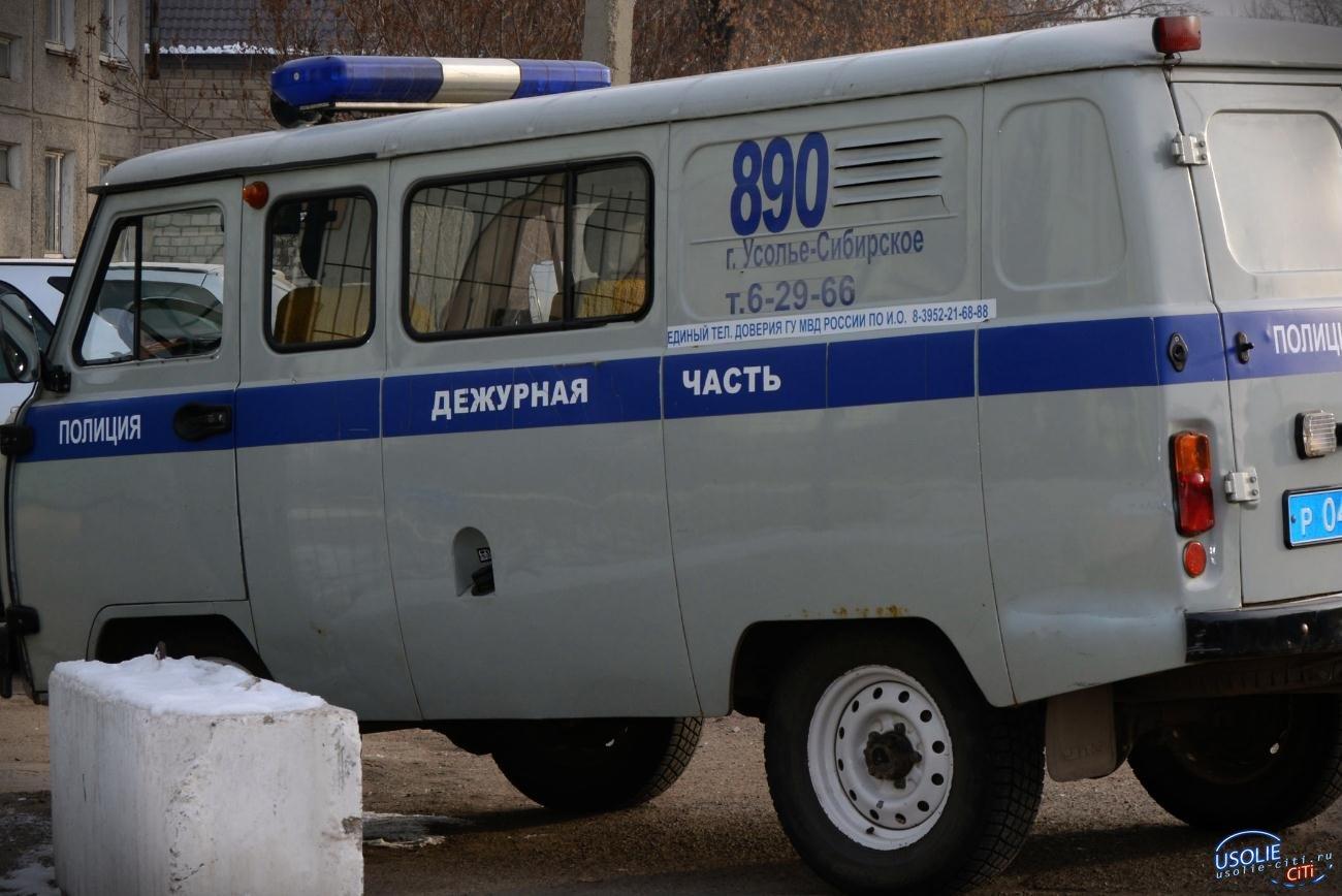 Жительница Усолья напала на полицейских