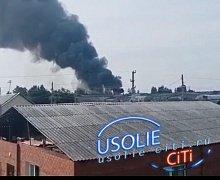 В Усолье горело здание компании по установке окон